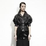 czarna kurtka Bottega Veneta skórzana - trendy na jesień 2013