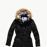 czarna kurtka Levis z futerkiem - sezon jesienno-zimowy