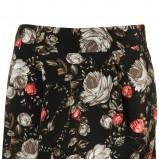 czarna spódnica Topshop w kwiaty - trendy na jesień-zimę