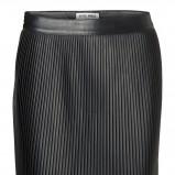 czarna spódnica Vero Moda skórzana