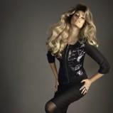 czarna sukienka Caterina z zamkiem - trendy na jesień