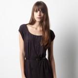 czarna sukienka Pull and Bear z paskiem krótka - wiosna/lato 2012