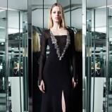 czarna sukienka wieczorowa Azzaro - zima 2013/2014