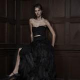 czarna suknia ślubna Vera Wang z piórami