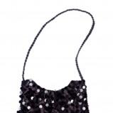 czarna torebka Tatuum - moda zimowa