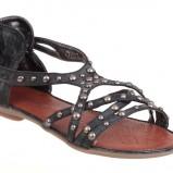 czarne sandały CCC z ozdobami - wiosna/lato 2011
