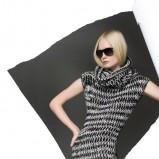 Czarno-biała sukienka z golfem idealna na jesień i zimę 2012/13