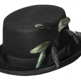 czarny kapelusz H&M z piórami - wiosna/lato 2012