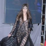 czarny kombinezon Gosia Baczyńska z koronką - moda 2011