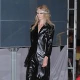 czarny płaszczyk Gosia Baczyńska ze skóry - moda 2011