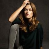 czarny sweter Massimo Dutti
