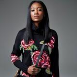 czarny sweter w róże River Island - lookbook na jesień