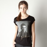 czarny t-shirt Pull and Bear z nadrukiem - sezon letni