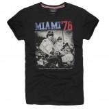 czarny t-shirt Reserved z nadrukiem - z kolekcji wiosna-lato 2012