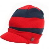czerwona czapka Adidas w paski - kolekcja jesienno-zimowa