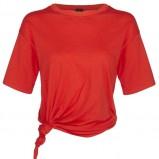 czerwona koszulka River Island - moda na lato