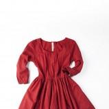 czerwona sukienka Springfield - trendy jesienne