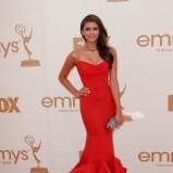 czerwona suknia typu syrena