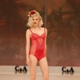 czerwone body C&A koronkowe - trendy wiosenne