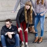 czerwone dżinsy Pepe Jeans rurki - kolekcja jesienna