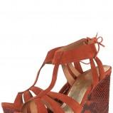 czerwone sandały Topshop na koturnie - wiosna-lato 2011
