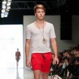 czerwone spodnie Polygon krótkie - moda 2012