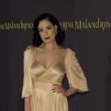 Dita Von Teese w złotej sukience