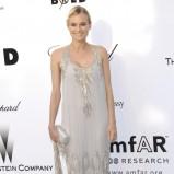 długa sukienka w kolorze beżowym - Diane Kruger