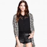 długi sweter H&M we wzorki - moda na jesień 2013
