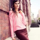 dopasowana spódnica H&M w kolorze bordowym - spódniczki na jesień i zimę
