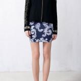 dopasowana spódniczka Pull and Bear w kolorze granatowym - wiosna 2013
