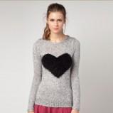 dziewczęcy sweter Bershka w kolorze szarym z serduszkiem  - kolekcja swetrów 2012/13