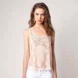 ecru bluzka Bershka ze wzorem - lato 2012