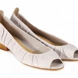 ecru pantofle Venezia - wiosna 2011