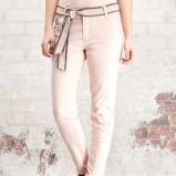 ecru spodnie Stradivarius obcisłe - wiosna-lato 2012