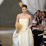 ecru suknia ślubna Carolina Herrera z kieszeniami