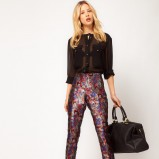 eleganckie spodnie Asos w kwiaty - spodnie na jesień i zimę