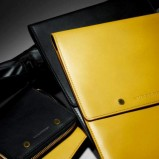 etui skórzane Burberry w kolorze żółtym - jesień-zima 2012