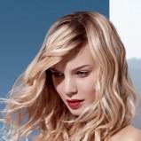 Fale, włosy średniej długości