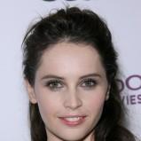 Felicity Jones - Fryzury na jesień i zimę 2011