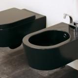 Flaminia w toalecie - zdjęcie