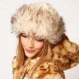 futrzana czapka Asos - jesień i zima 2012/13