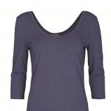 granatowa bluzka Top Secret - moda zimowa
