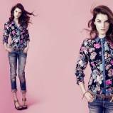 granatowa koszula Stradivarius w kwiaty - moda 2012