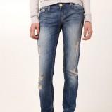 granatowe jeansy Stradivarius z dziurami - wiosna-lato 2012