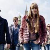 granatowy płaszcz Pepe Jeans - sezon jesienno-zimowy