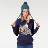 granatowy sweter Bershka z nadrukiem - kolekcja jesienna