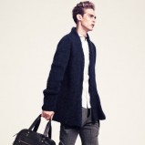 granatowy sweter H&M - zima 2011/2012