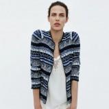 granatowy sweter ZARA w etniczne wzory - lato 2012