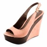 jasnoróżowe sandały Prima Moda na koturnie - moda na wiosnę
